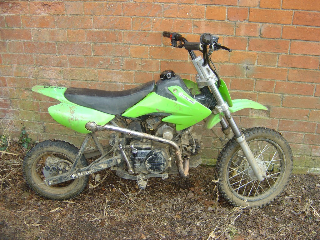 Pit Bike Dirt Bike 90cc motor bike breaking