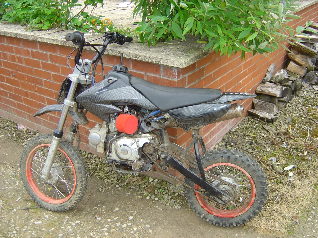 Pit Bike Xplorer 110cc motor bike breaking