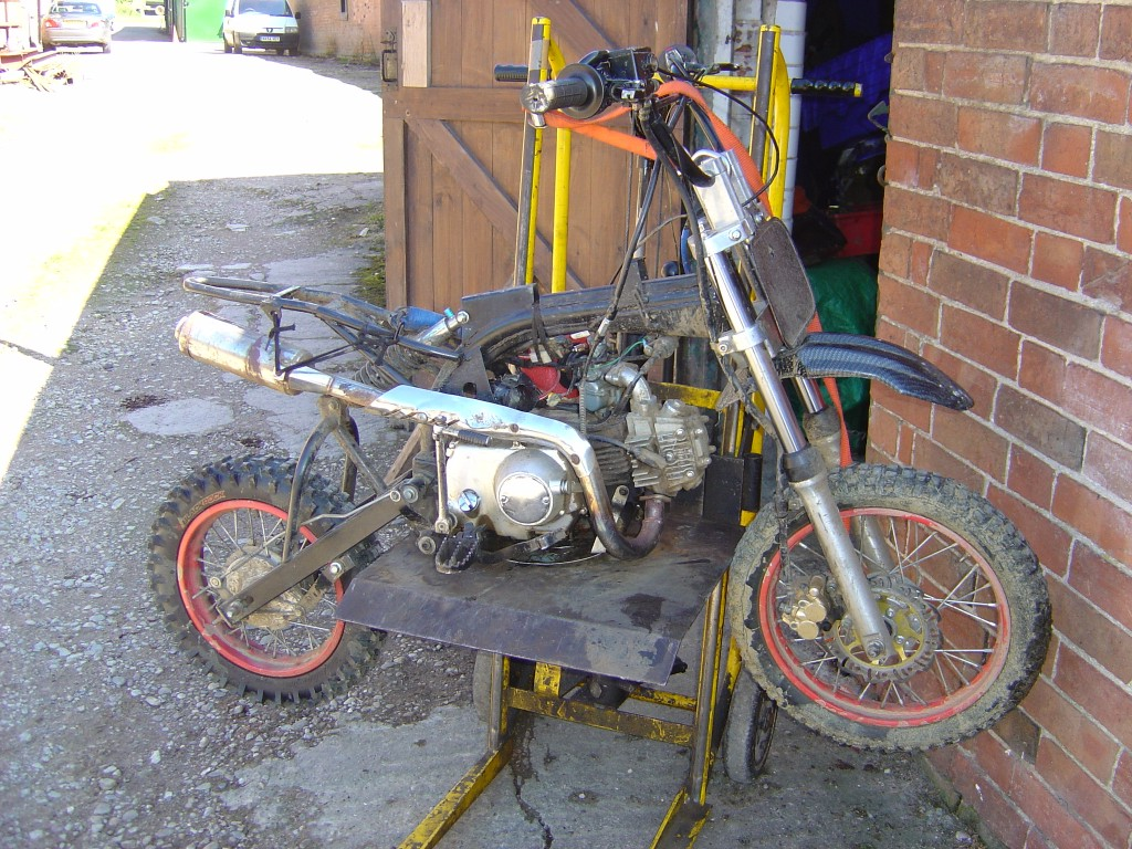 Pit Bike Xplorer 110cc being dismantled motor bike breaking