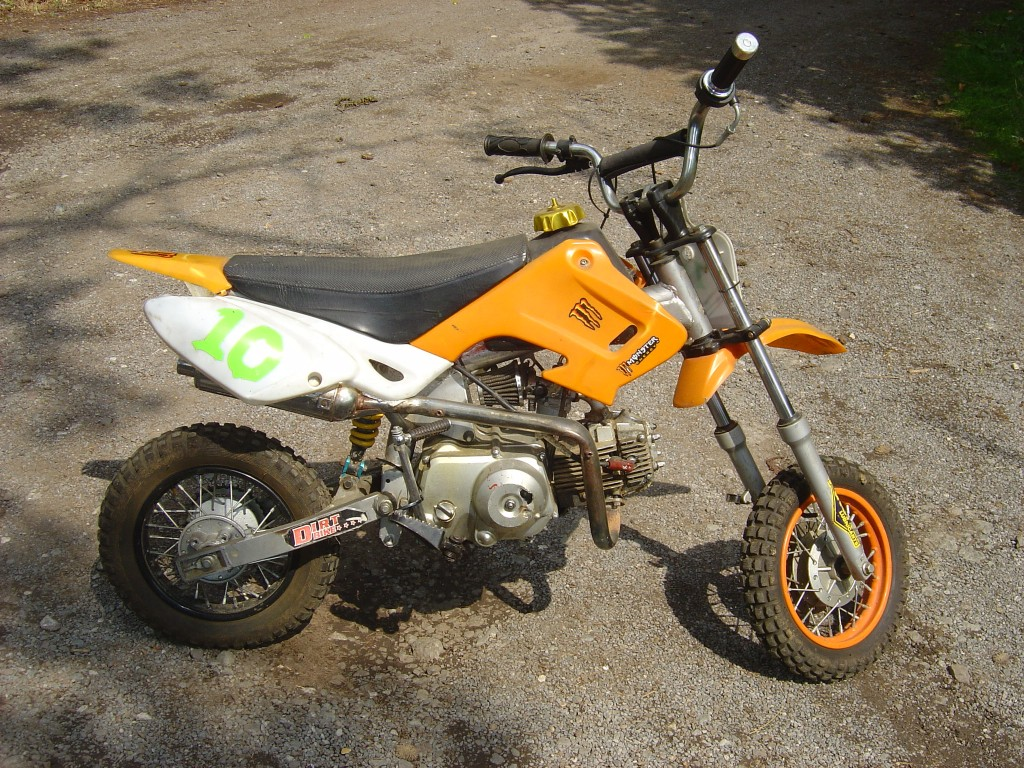 Pitbike 110 Orange trim RHS Motor Cycle Pit bike Breaking for spare parts