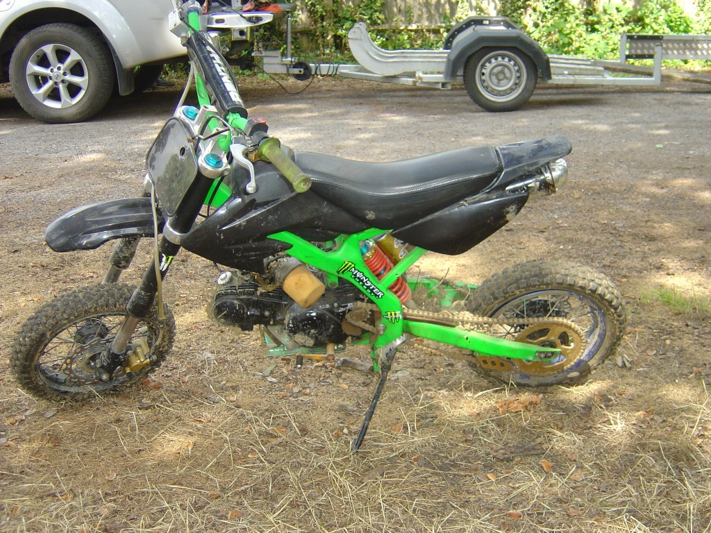 Pitbike 125 green and black trim LHS Motor Cycle Pit bike Breaking for spare parts