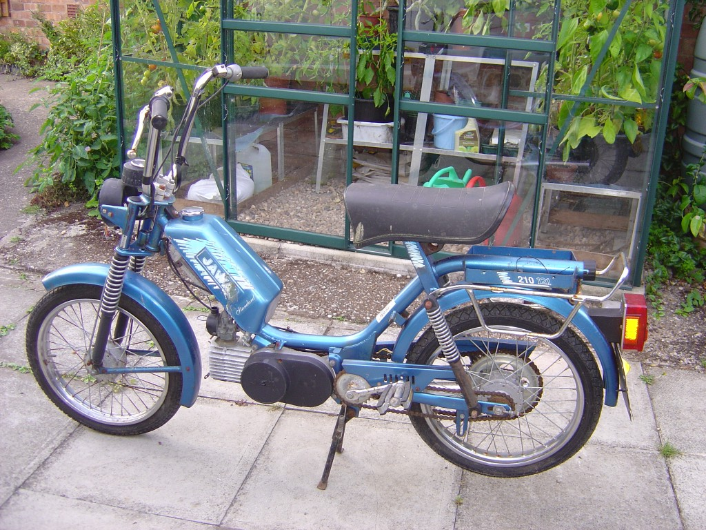 Jawa 210 moped 50cc motor bike breaking