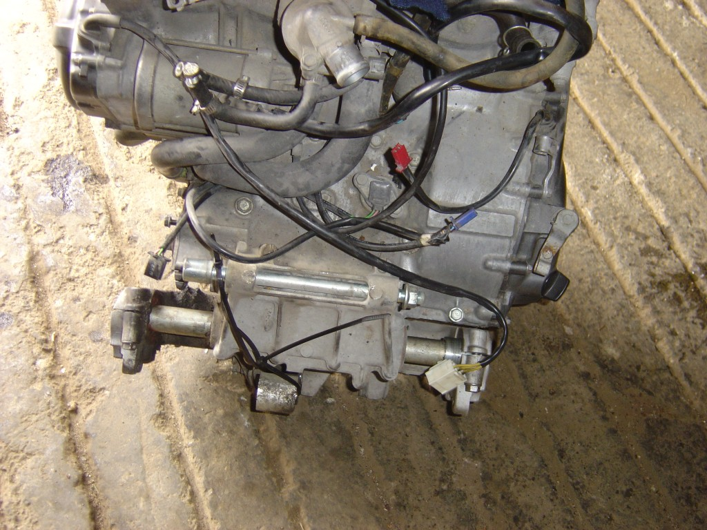 Honda CBR900 - 929 cc Engine Starter motor and stator alternator Fireblade Year 2001 Rear View Close up Motor Bike Breaking for spare parts