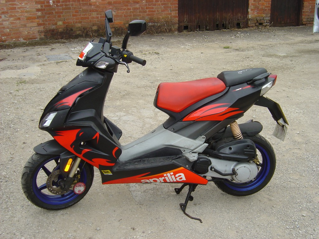 Aprilia SR50 50cc Scooter Breaking for Spare Parts