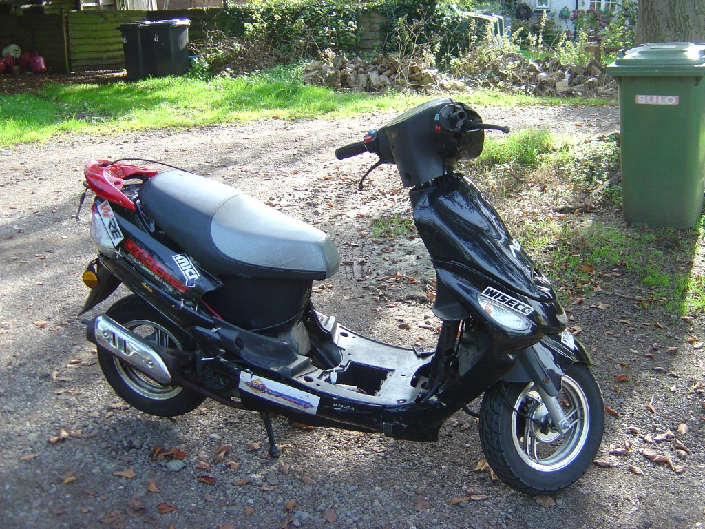 Directbikes 50 RHS Motor Cycle Scooter Breaking for spare parts