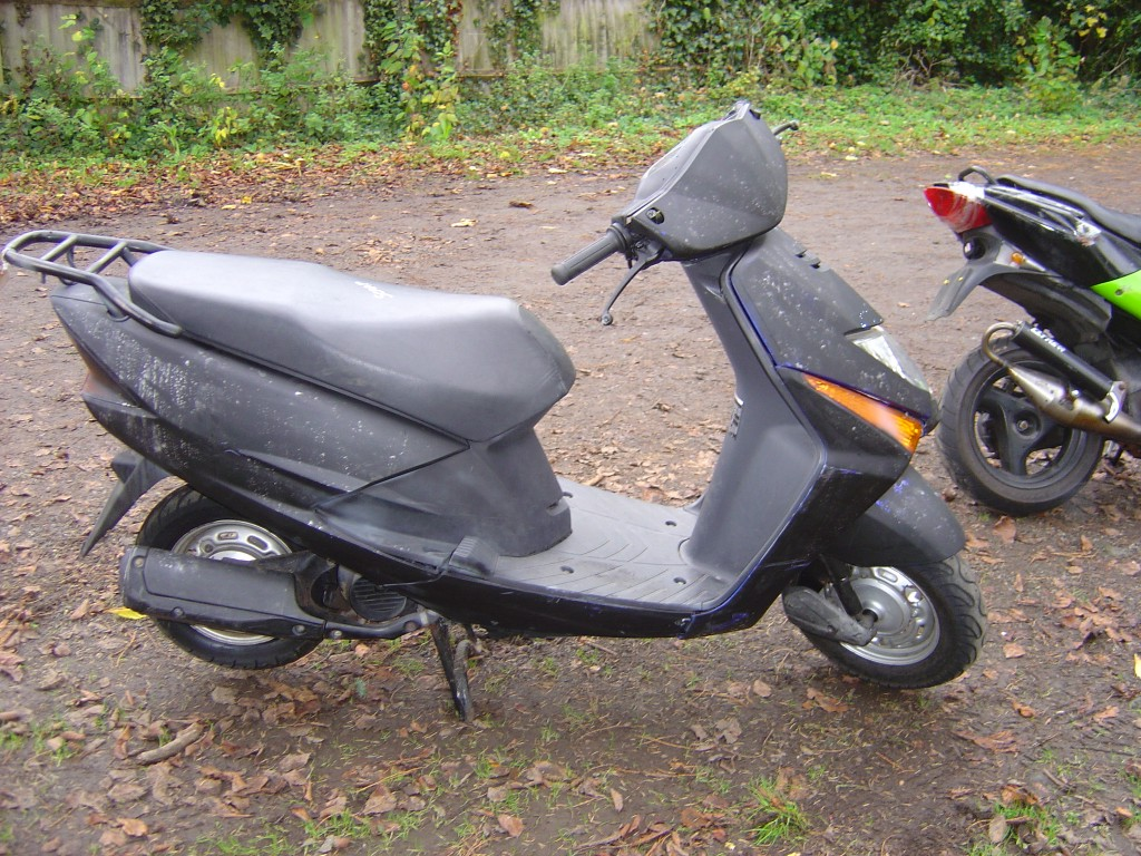 Honda 125 Scooter RHS Motor Cycle Scooter Breaking for spare parts