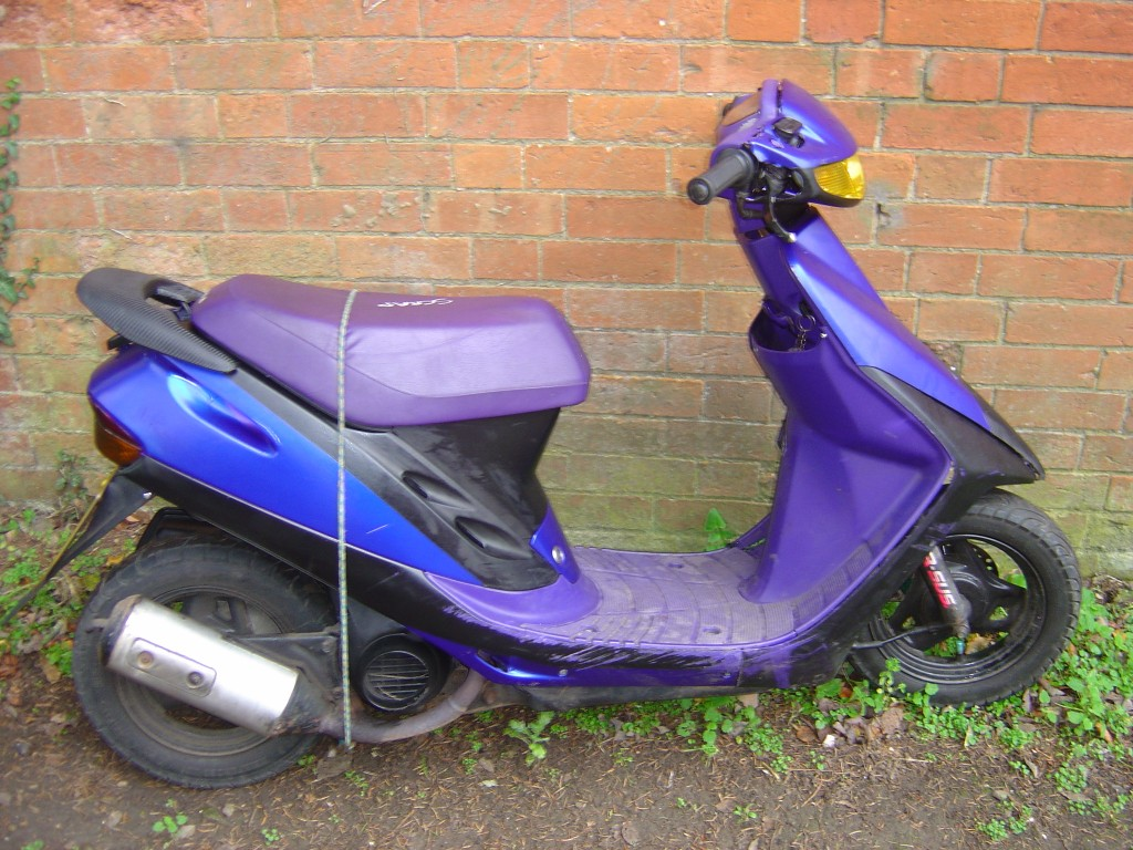 Honda 50 Scooter RHS Motor Cycle Scooter Breaking for spare parts