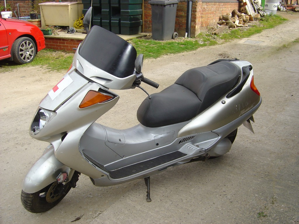 Honda Pantheon 125cc Scooter Breaking for Spare Parts