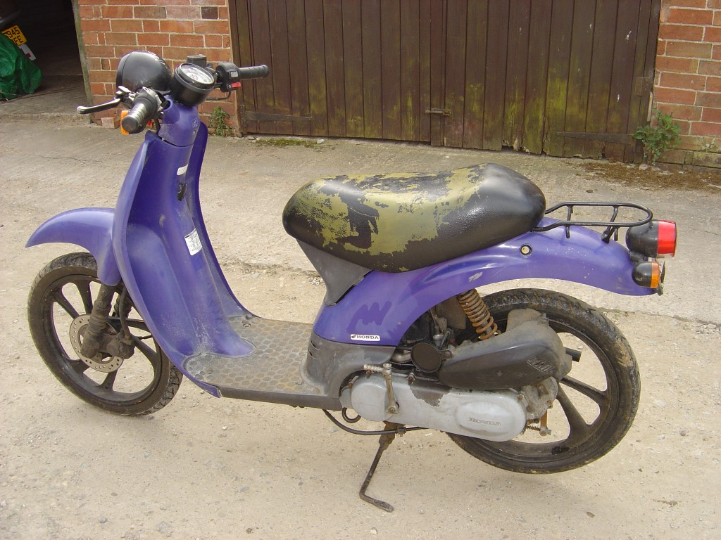 Honda Sky 50cc Scooter Breaking for Spare Parts