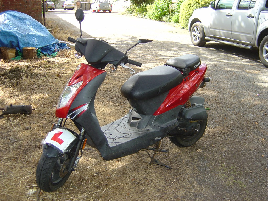 Kymco LHS Motor Cycle Scooter Breaking for spare parts