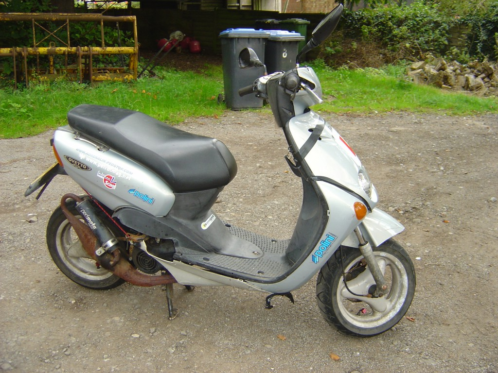 MBK50 Silver RHS Motor Cycle Scooter Breaking for spare parts