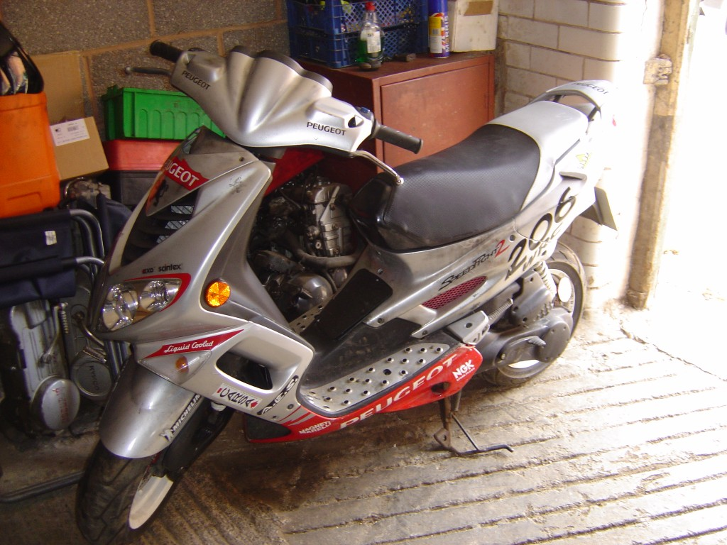 Peugeot Speed Fight 2 50cc LHS Motor Cycle Scooter Breaking for spare parts