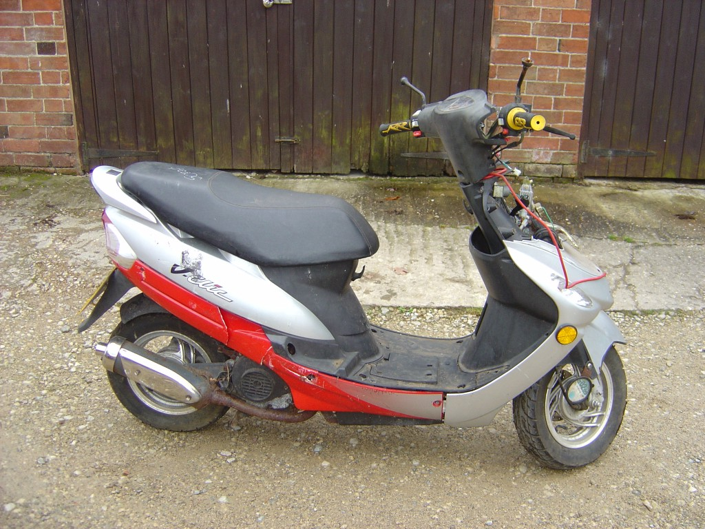 Peugeot Vclic 50cc Scooter Breaking for Spare Parts