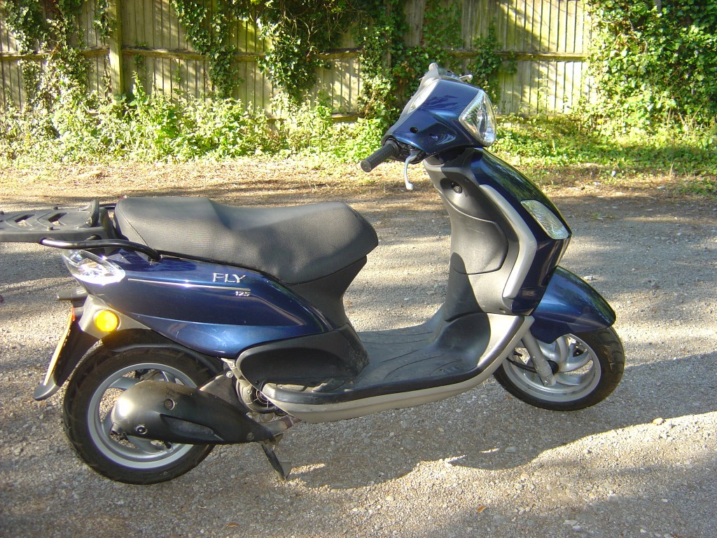Piaggio 125 RHS Motor Cycle Scooter Breaking for spare parts