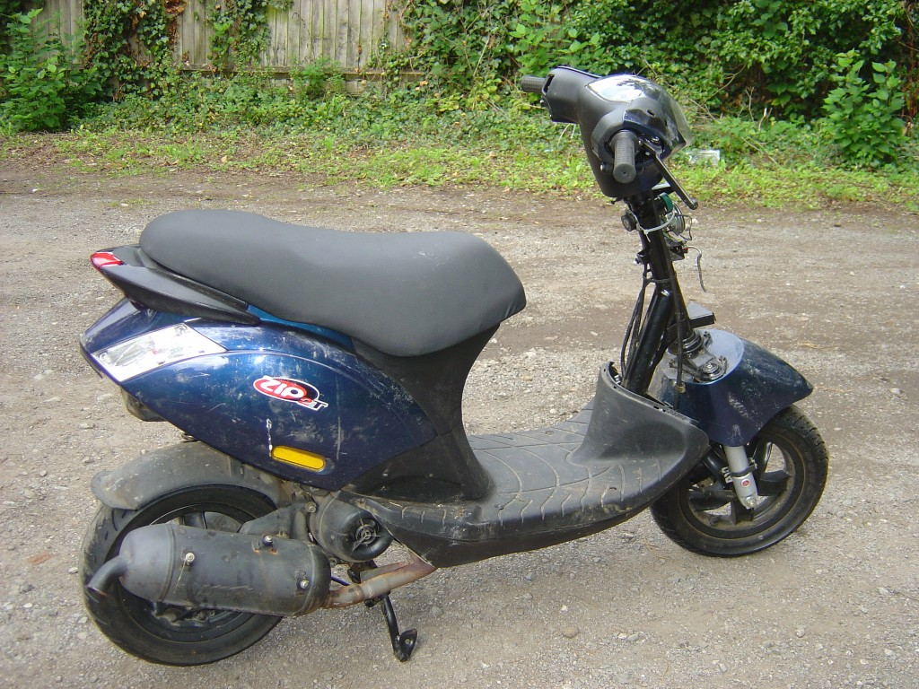 Piaggio Zip50 RHS Motor Cycle Scooter Breaking for spare parts