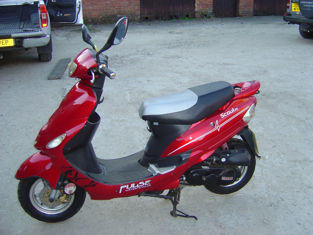 Pulse Scout49 50cc Scooter Breaking for Spare Parts