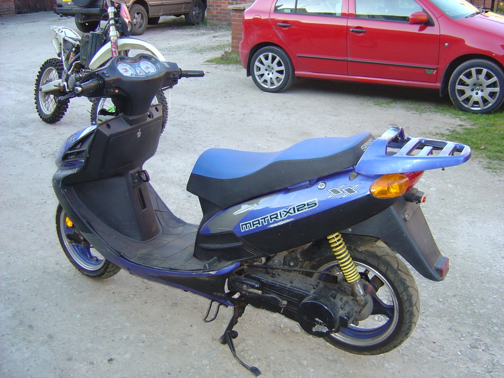 Simis Matrix 125cc Scooter Breaking for Spare Parts