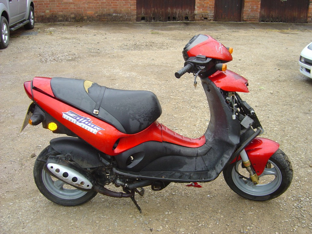 Suzuki Zillion 50 RHS Motor Cycle Scooter Breaking for spare parts