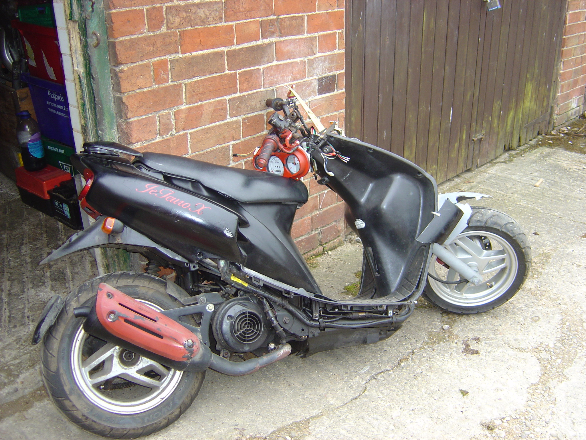 Honda Sky 50cc 1970 Dirt Bike Sym Euro Jet 50 Scooter Breaking For Spare Parts