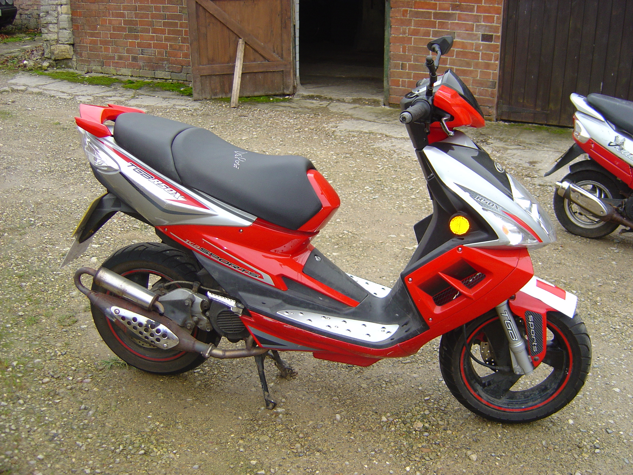 Honda Dylan 125 2006 50cc Pit Bike Tgb R50x Scooter Breaking For Spare Parts