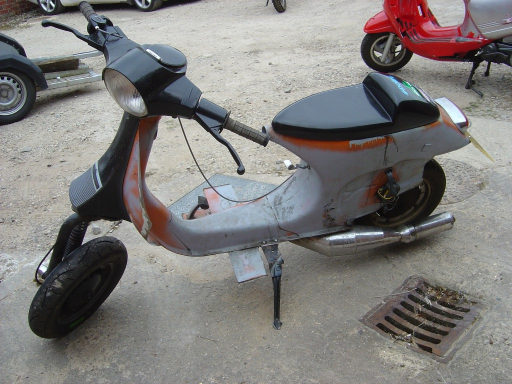 Vespa 125 LHS Motor Cycle Scooter Breaking for spare parts