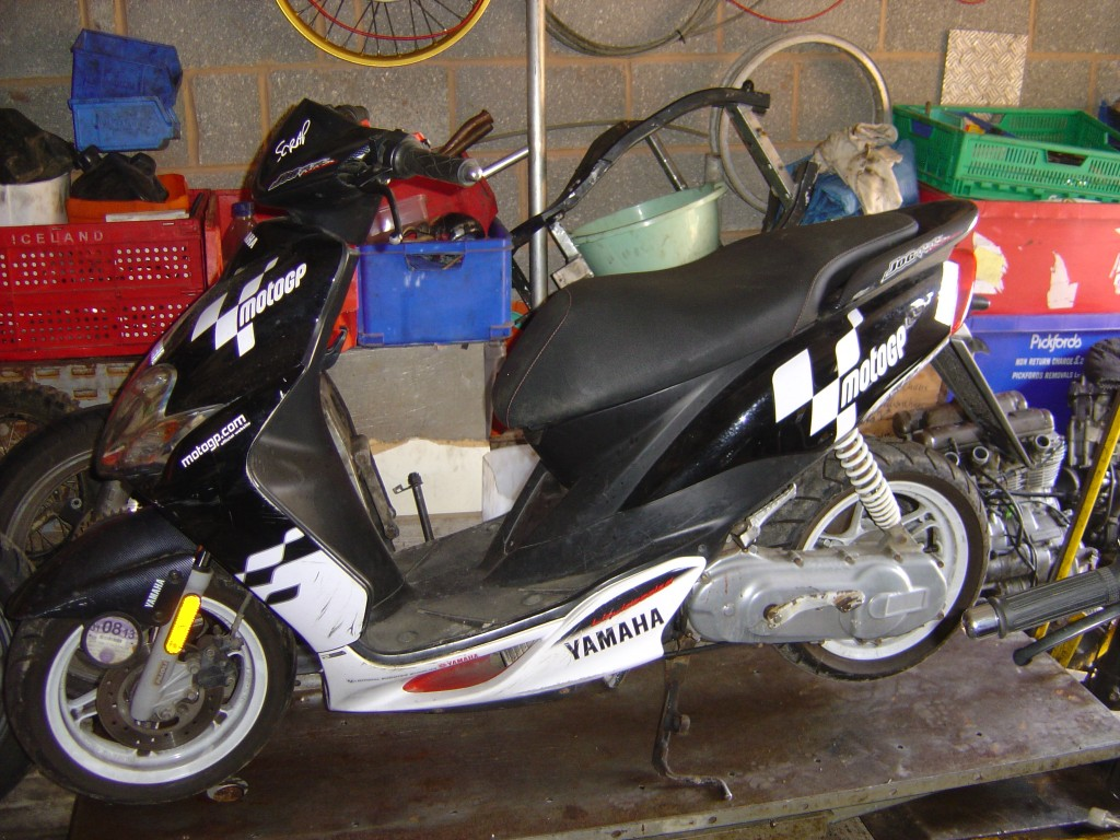 Yamaha Jog50 50cc Scooter Breaking for Spare Parts