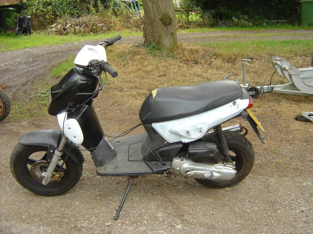 Yamaha MBK50 LHS Motor Cycle Scooter Breaking for spare parts