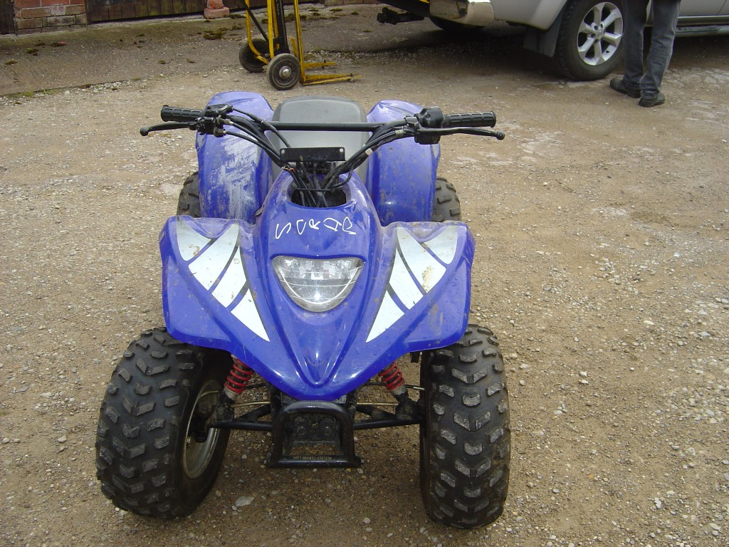 Apache-100-Quad-Bike-Breaking-for-Spare-Parts-Front