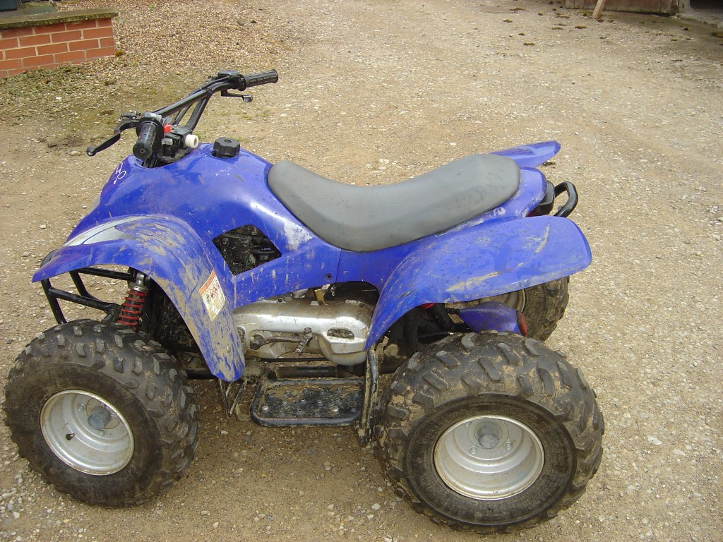 Apache-100-Quad-Bike-Breaking-for-Spare-Parts-left-Hand-Side
