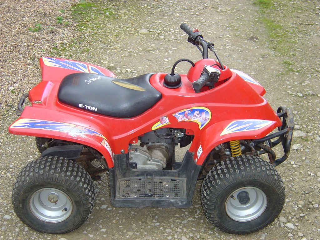 Eton-Rascal-50-Quad-Bike-Breaking-for-Spare-Parts-Right-Hand-Side
