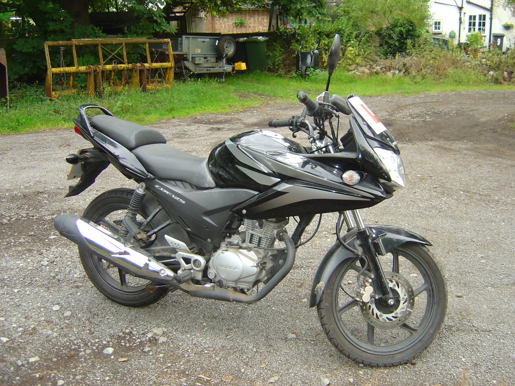 Honda CBF 125 RHS Motor Cycle Breaking for spare parts