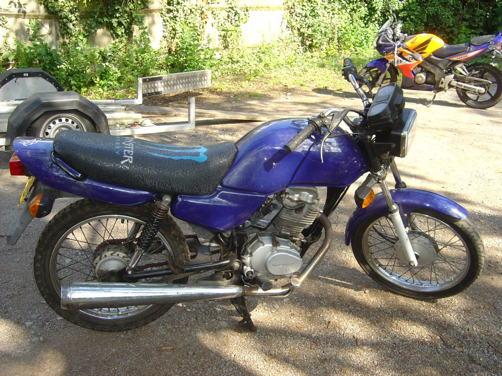 Honda CG125 RHS Motor Cycle Breaking for spare parts