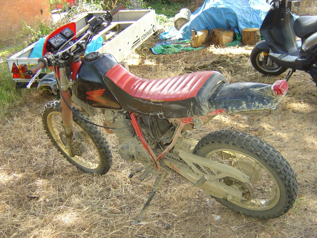 Honda XLR250 LHS Motor Cycle Breaking for spare parts