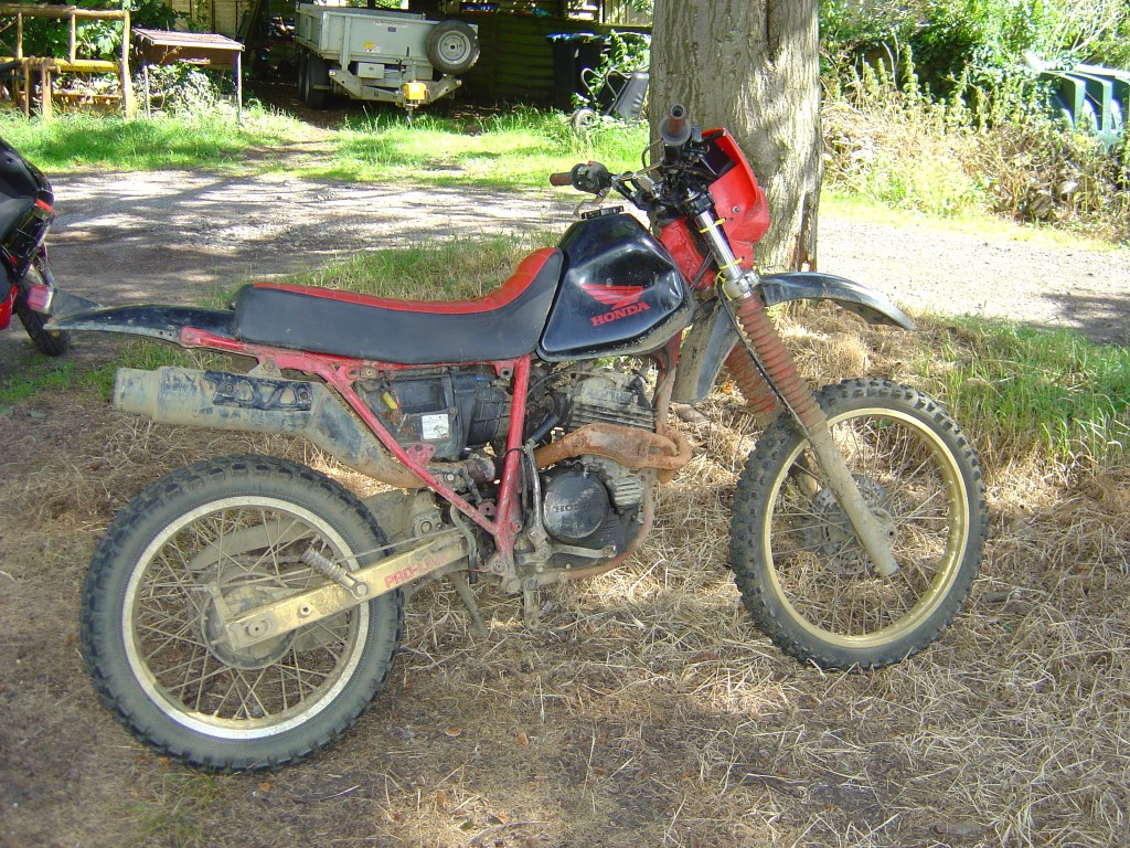 Honda XLR250 RHS Motor Cycle Trails Breaking for spare parts