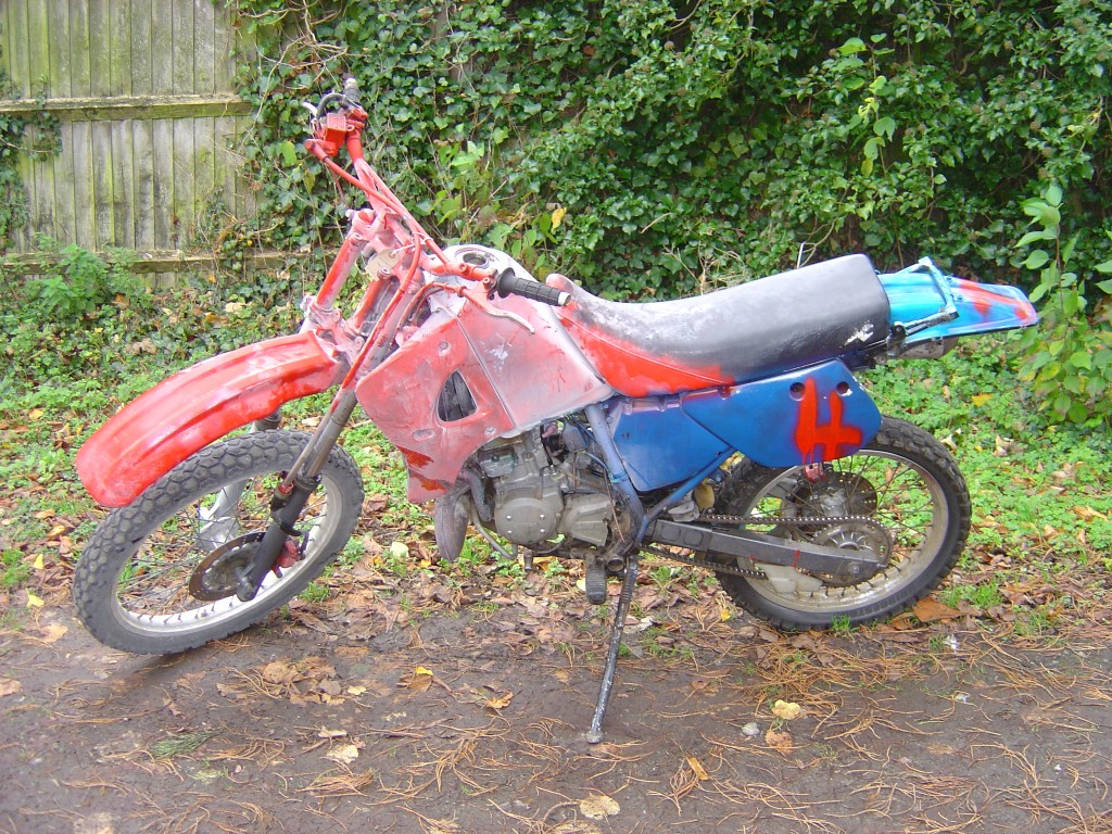 Kawasaki KMX125 LHS Motor Cycle Breaking for spare parts
