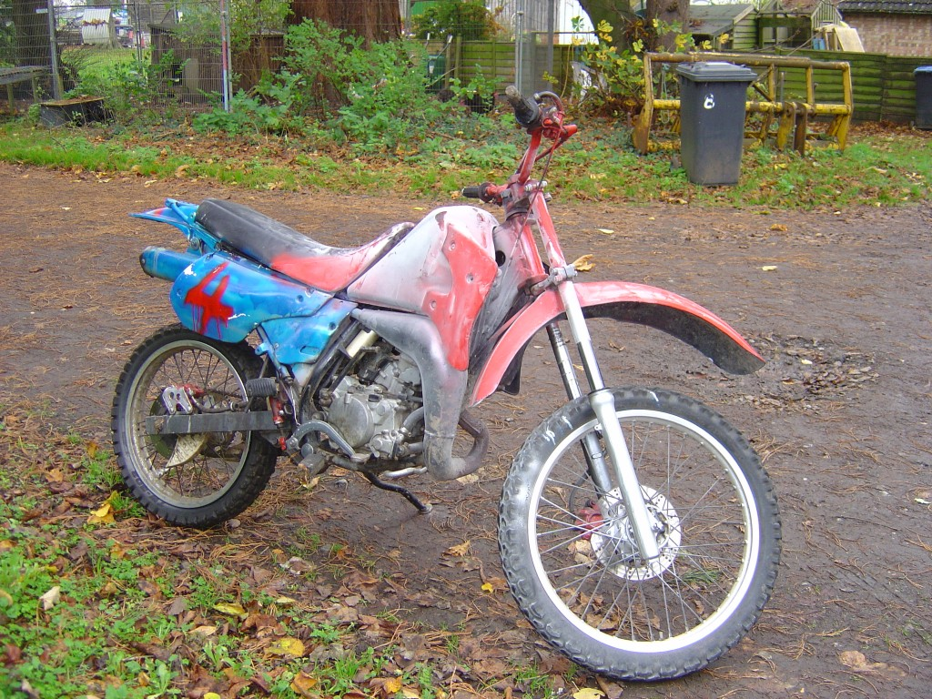 Kawasaki KMX125 RHS Motor Cycle Breaking for spare parts