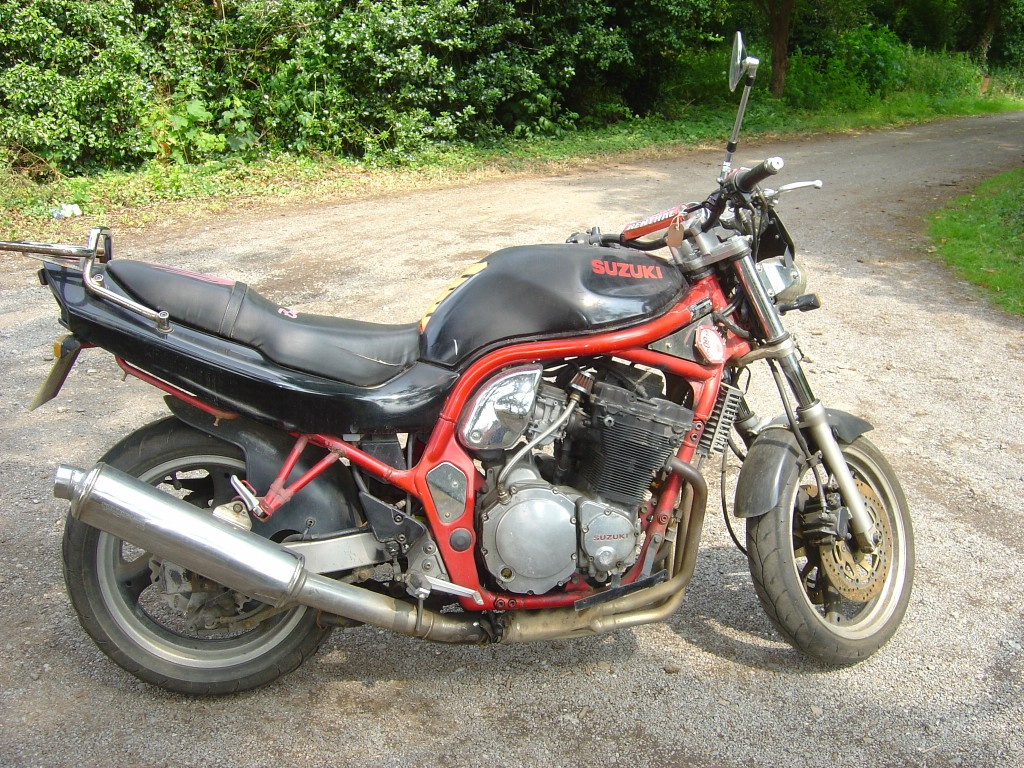 Suzuki Bandit 600 RHS Motor Cycle Breaking for spare parts