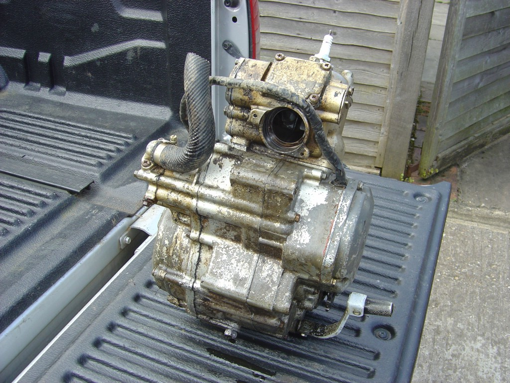 Suzuki RM125 Engine Front Motor Cycle Breaking for spare parts