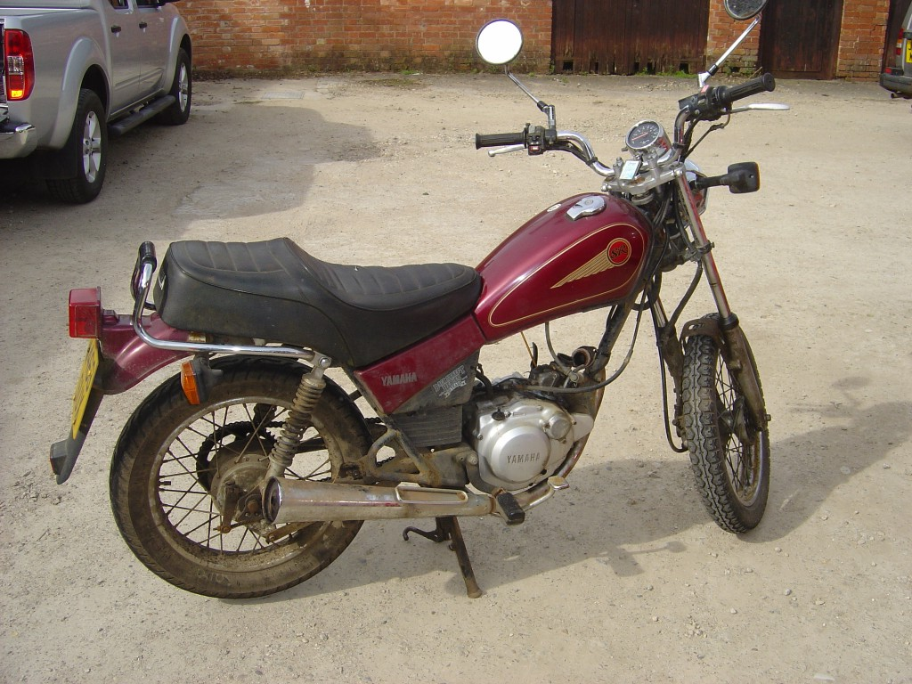 Yamaha-SR125-Motor-Bike-Breaking-for-Spare-Parts-Right-Hand-Side