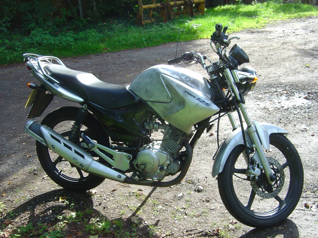Yamaha YBR125 2012 LHS Motor Cycle Breaking for spare parts